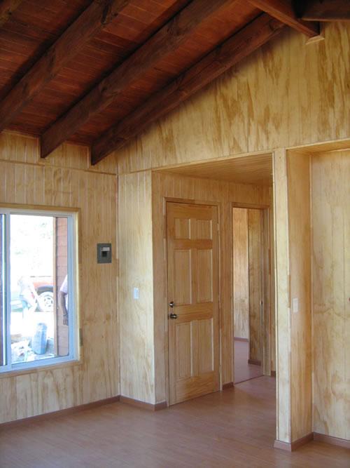 Interior, entrada